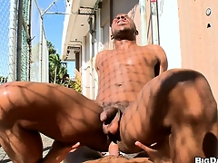 Openly brotha gets his ass sissified by a well hung gangsta