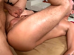 Hunk gets earthy anal drilling during massage