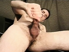 Hot mechanic fingers his ass and jacks off his big dick in the garage